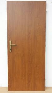 Vchodové dveře do starých zárubní